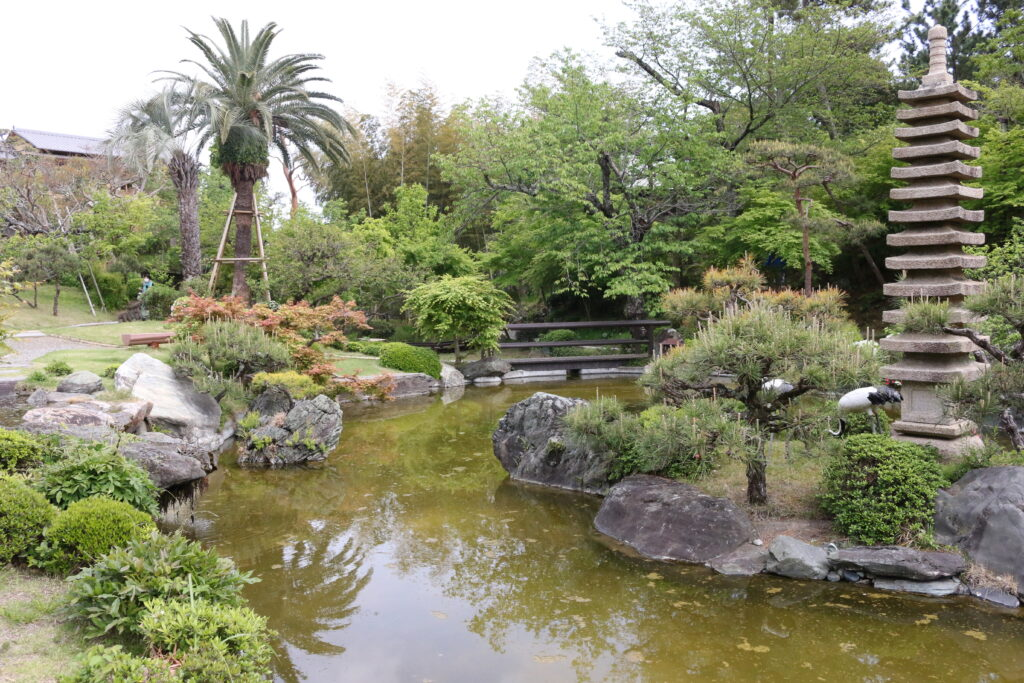 旧吉田茂邸池2